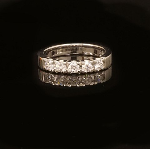 14kt hvidguld alliance ring med fem 0,1ct 